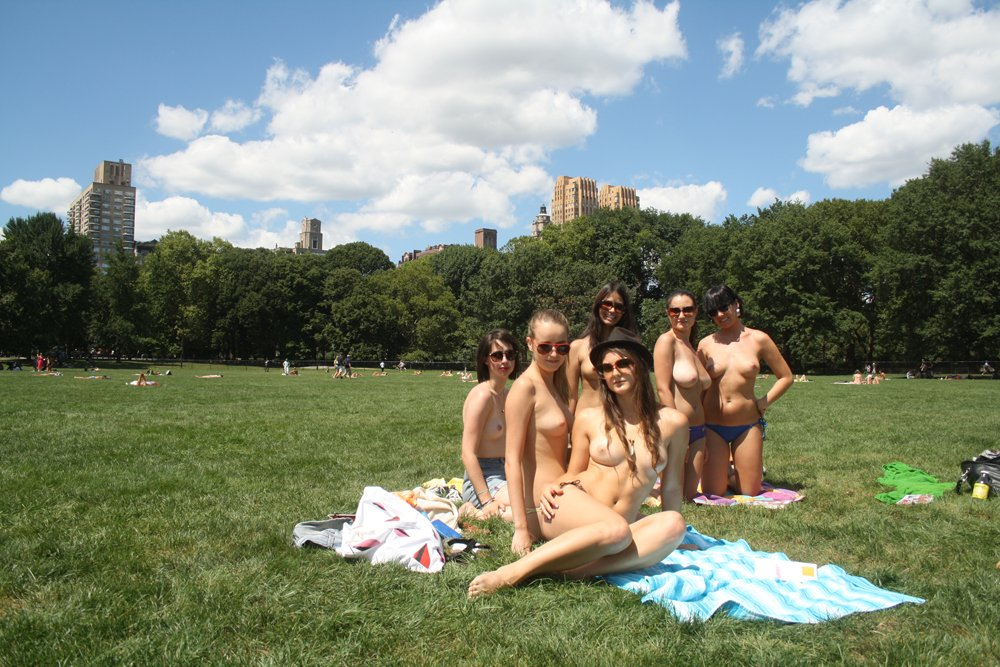 nude-girls-in-new-york