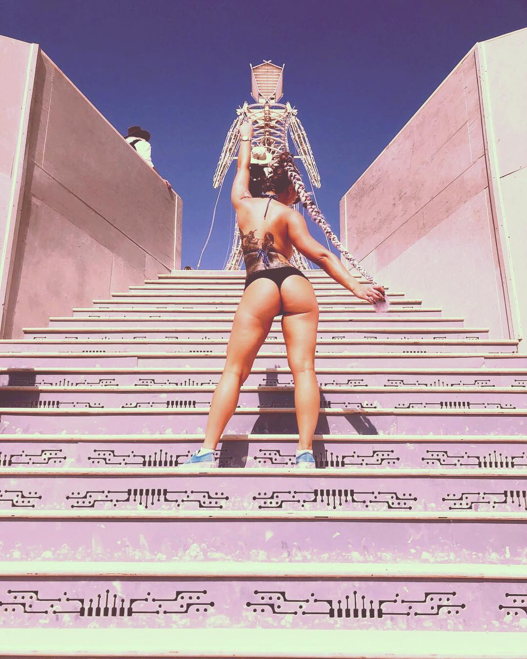 burning man фестиваль фото девушки отвратительные мужики disgusting men