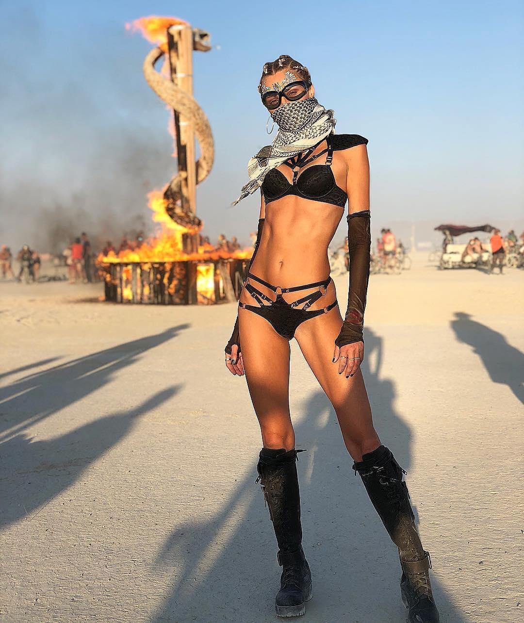 Chicks at burning man, sexy boobs veronica zemanova