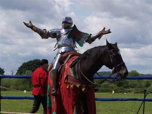 мифы о рыцарях средневековые рыцари отвратительные мужики disgusting men