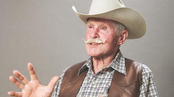 Понедельник начинается с дичи: дед из Аризоны упал в шахту и двое суток дрался с гремучими змеями