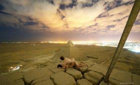 В защиту парня, который занялся сексом на пирамиде Хеопса