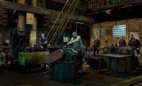 Ментовские войны от народного режиссера: зачем смотреть фильм Юрия Быкова «Завод»