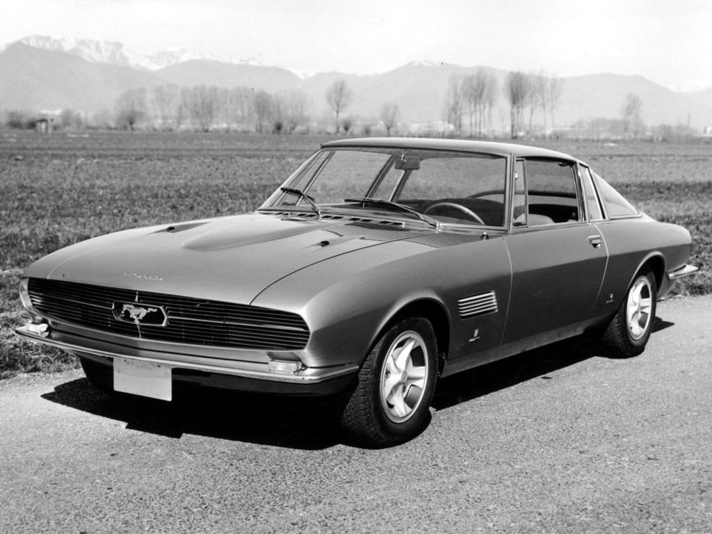 Ford Mustang Bertone, 1965 — версия от Нуччо Бертоне, дизайнера Alfa Romeo и Lambo