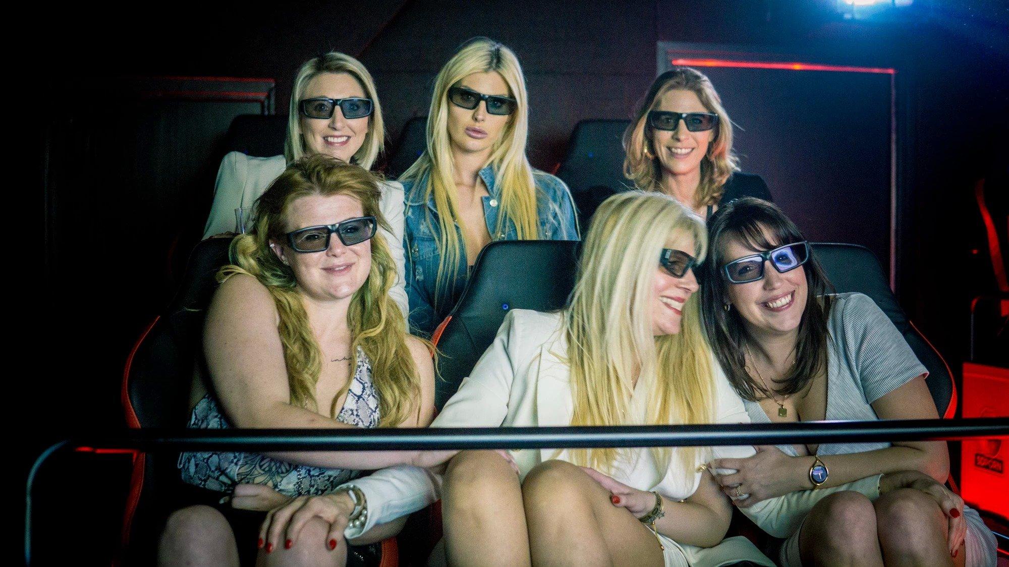 5D порно-кинотеатр голландия отвратительные мужики disgusting men