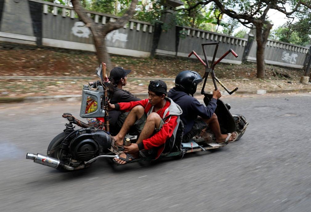 Extreme Vespas REBEL RIDERS безумные мотоциклы отвратительные мужики disgusting men