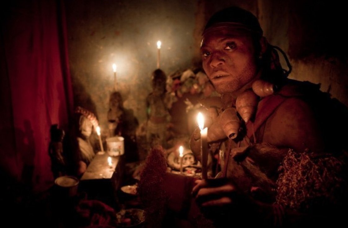 Малема утверждает, что убил нескольких родственников, чтобы получить колдовской дар. Фото: Gwenn Dubourthoumieu