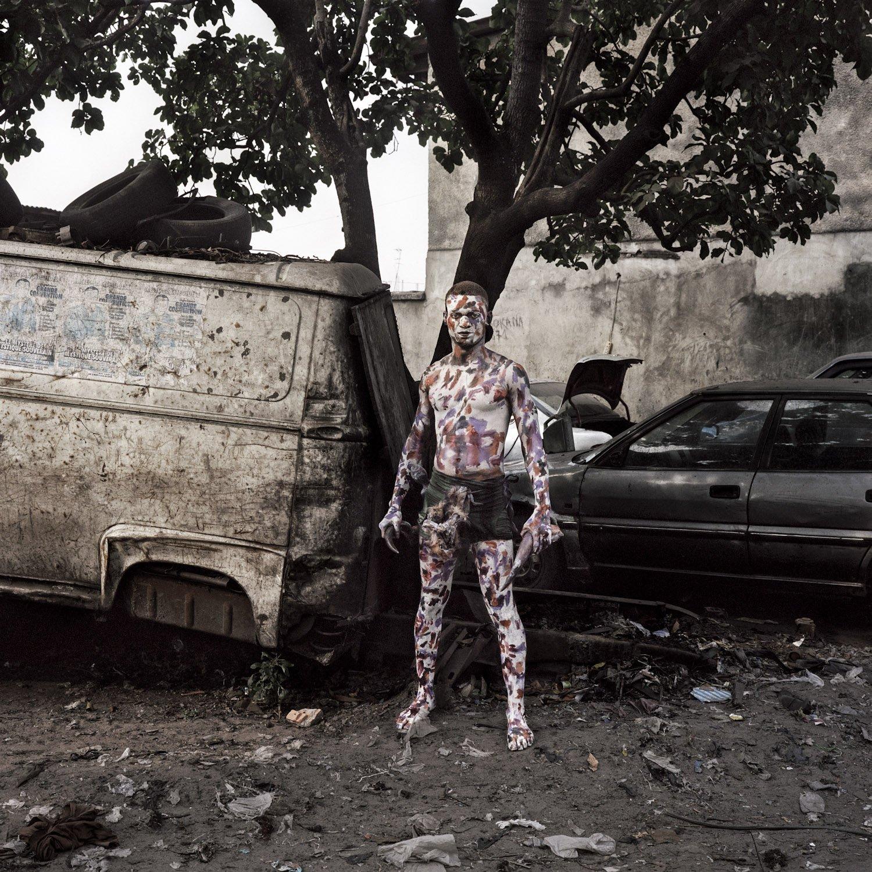 Одна из традиций: бойцы либанда раскрашивали себя белой краской, чтобы быть похожими на пятнистых леопардов. Фото: Colin Delfosse