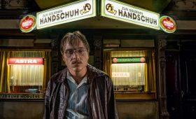 Темная сторона Гамбурга. Рецензия на триллер «Золотая перчатка»