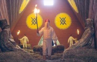Главные религиозные отсылки в «Солнцестоянии»: от «кровавого орла» до священного инцеста. Теперь видео!