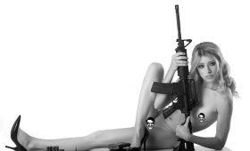Девушки, пушки и ничего лишнего