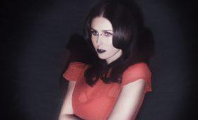 Мрачная красота готической принцессы Челси Вулф