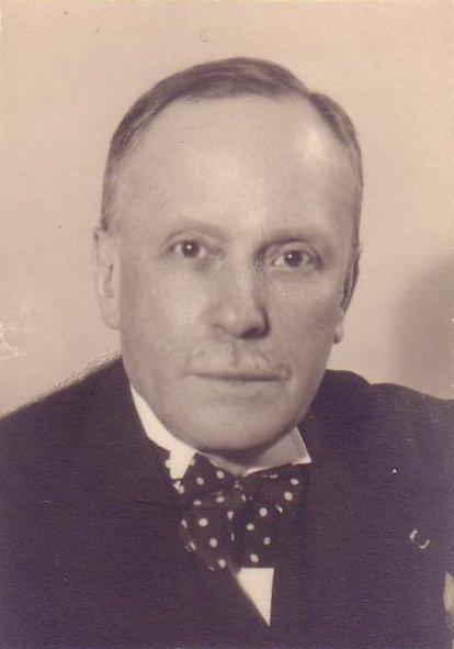 Макс Морей