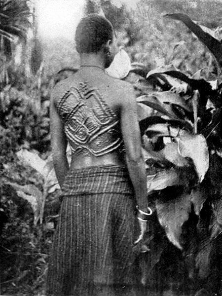 шрамирование в африке скарификация отвратительные мужики disgusting men