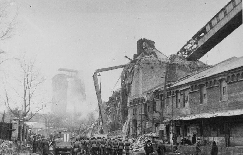 Последствия взрыва мучной взвеси на комбинате в Калинине (Твери), 1981 г