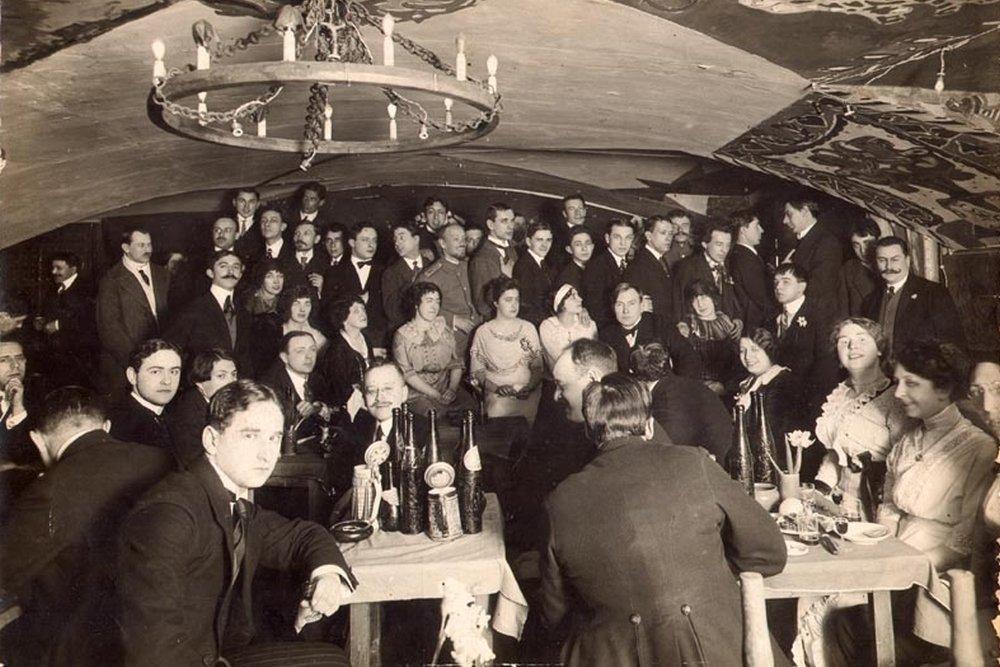 Кафе «Бродячая собака», где Тиняков пьянствовал вместе с другими поэтами