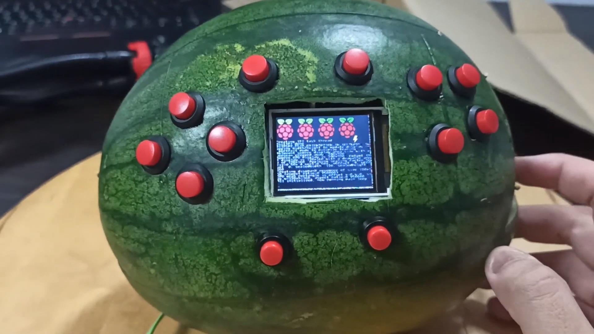 Game Boy арбуз консоль в арбузе отвратительные мужики
