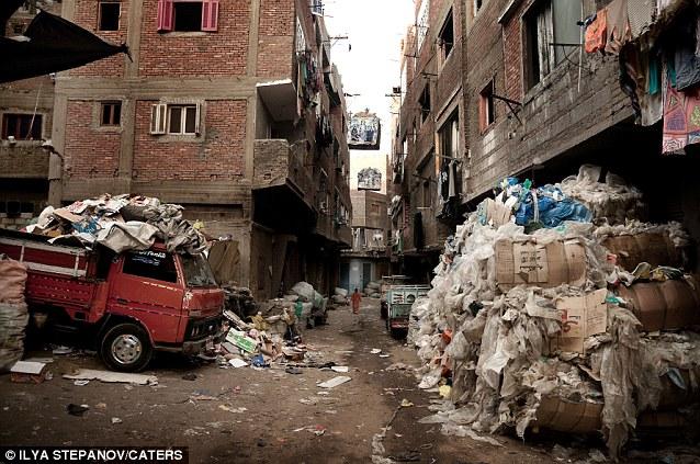город мусорщиков каир самый худший город в мире трущобы отвратительные мужики