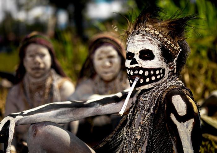 африканский колдун мошенник клонировал деньги понедельник начинается с дичи