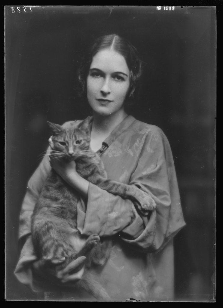 коты и женщины арнольд генте