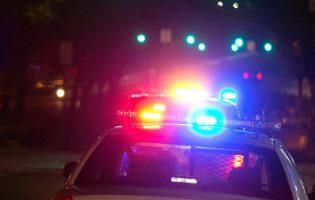 Угонщик обнаружил в салоне машины ребенка, вернулся и отчитал мать за безответственность