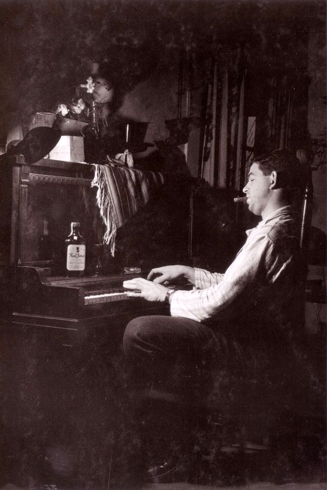 People Drinking Beer 1900s 31 - За день до Сухого закона: фото американцев, которые кутят перед запретом алкоголя в 1920-м