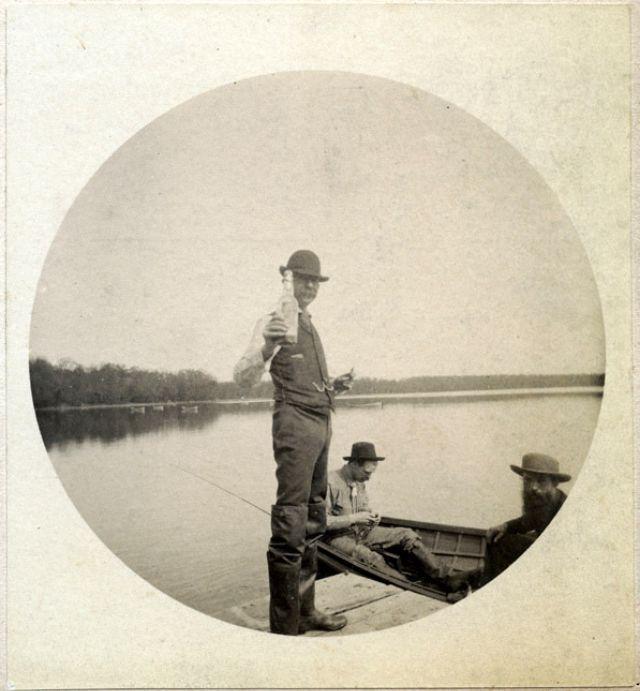 People Drinking Beer 1900s 32 - За день до Сухого закона: фото американцев, которые кутят перед запретом алкоголя в 1920-м