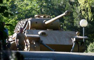 В Германии пенсионера судят за хранение танка «Пантера», зенитки и автоматов Вермахта
