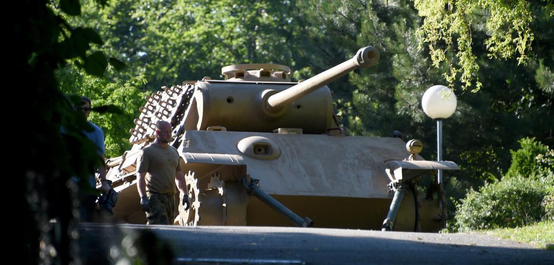 танк пантера в подвале немецкий пенсионер