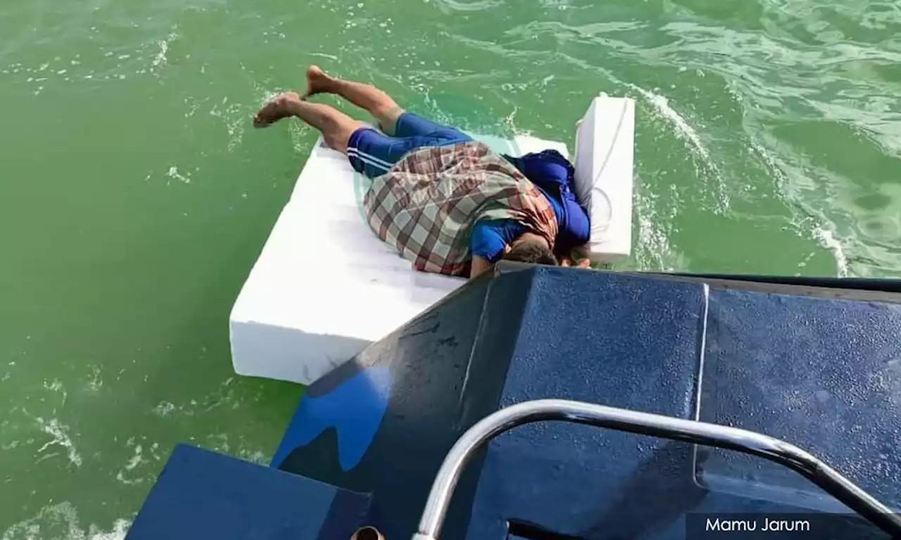 мекка пловец