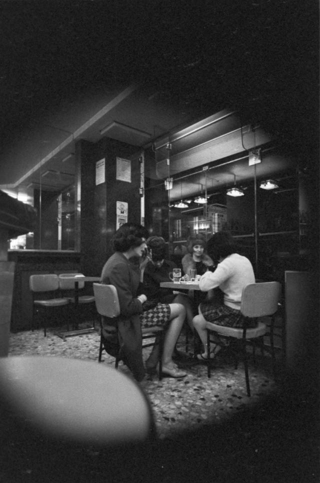 Парижские проститутки проституция в париже старые фото