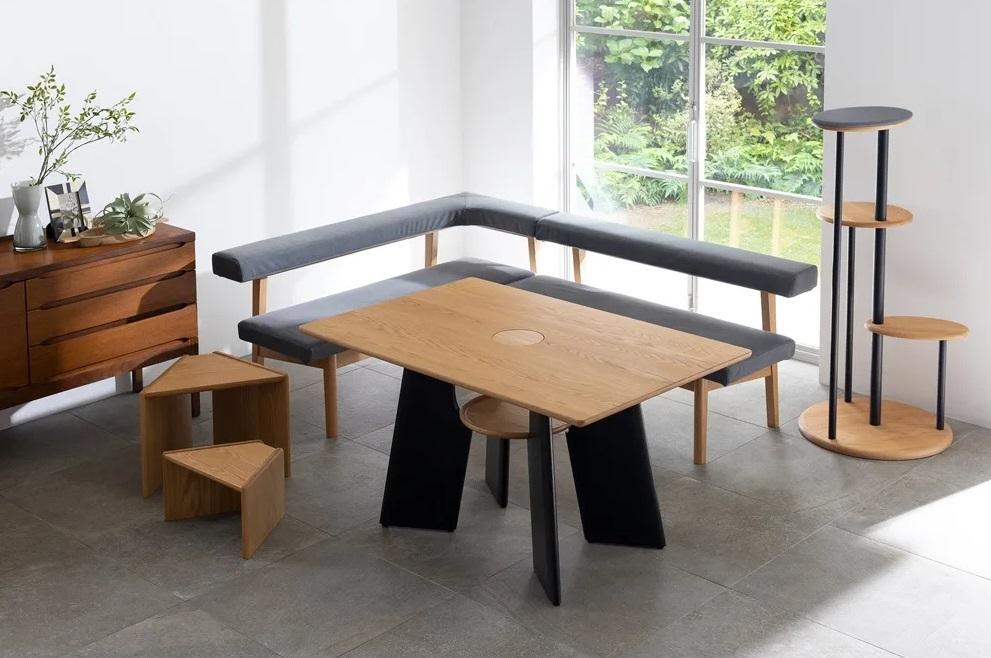 s kopiya 1 - В Японии выпустили стол с отверстием для кота — чтобы обедать вместе с питомцем