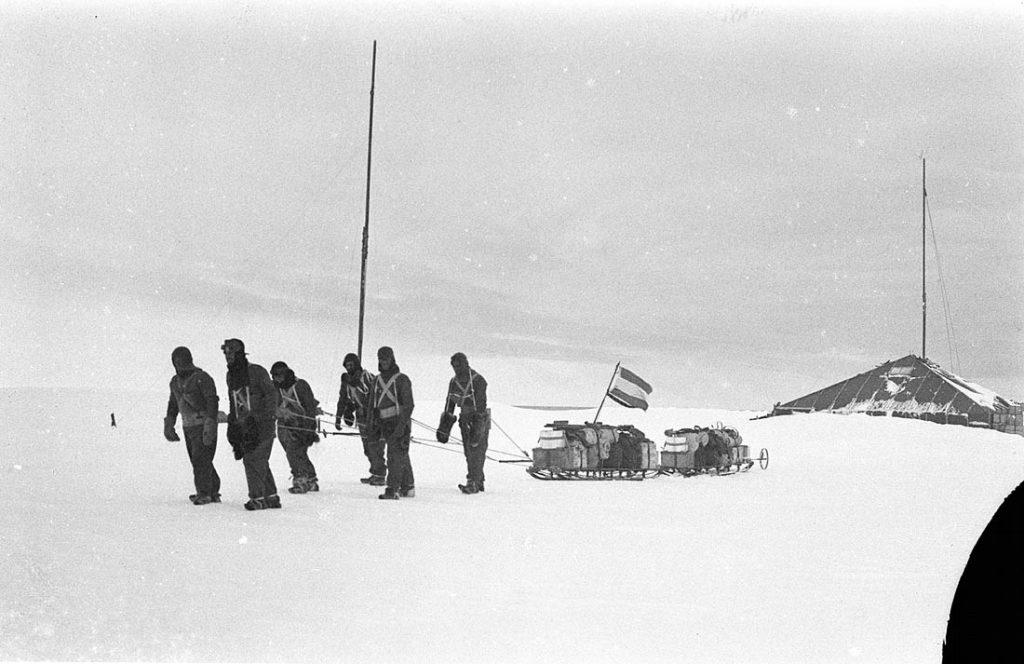 arctic expedition 13 1024x664 - Бравые «осси» во льдах: австралийская экспедиция в Антарктике 1911 года